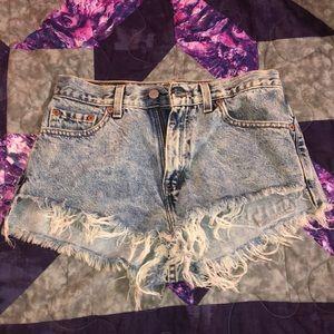 Super cute Levi vintage booty shorts!!